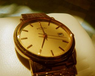 GOLD WATCH by OneMinutes