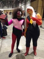 Supanova 2017: Garnet and Jasper 2 by FFiamgoku