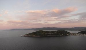 Pink sunset from Dumbo - pano by yuushi01