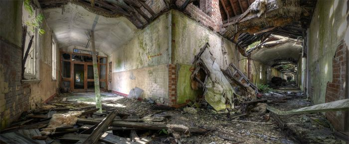 Restaurant Entrance by wreck-photography