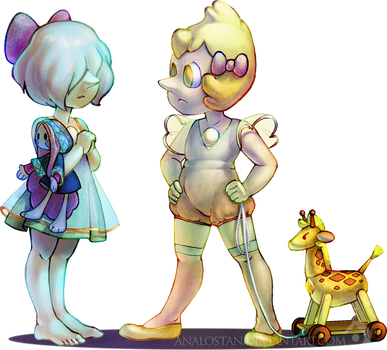 Kid Pearls with Toy Diamonds by Analostan