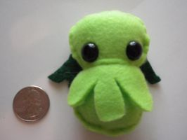 Teeny Tiny Cthulhu by Lyseebell