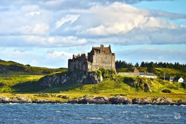 Duart Castle by XanaduPhotography