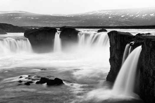 Godafoss - Black and White by somadjinn