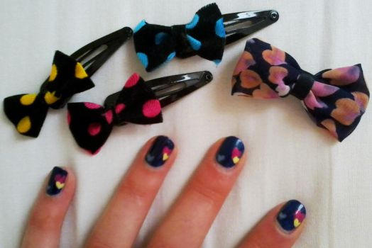 Nails with Hearts by xxxEsmee