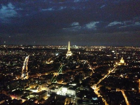 Paris by night by ajimo