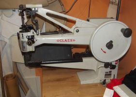 Big really big sewing maschine - by AtalontheDeer