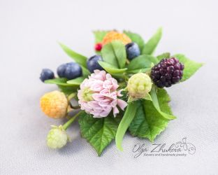 Flowers from a air dry clay (cold porcelain) by polyflowers
