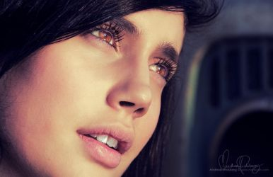Brown Eyed Beauty by Stridsberg