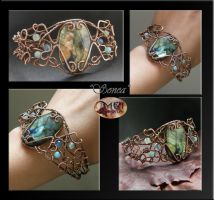 Sonea- wire wrapped bracelet by mea00