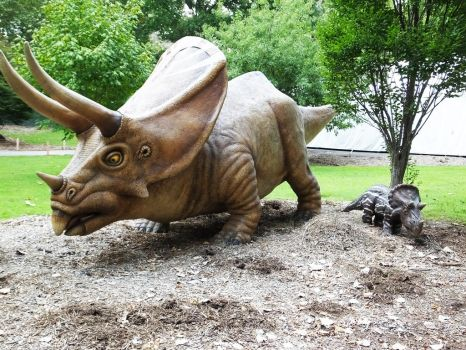 Triceratops Mama and Baby by seraphunk