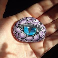 Dragons Eye - painted rock by Batnamz