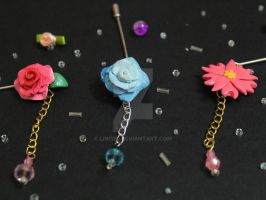 flower pins by Lin1130