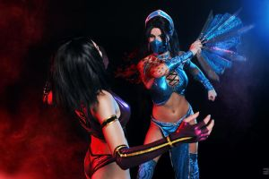 Mileena and Kitana Mortal Kombat cosplay by Nemu013