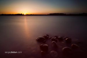 Sunset over Folsom Lake by sergey1984