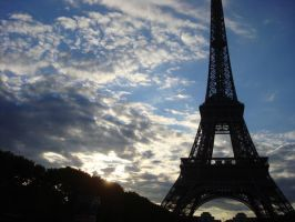 Eiffel Tower by condemned-2-fate