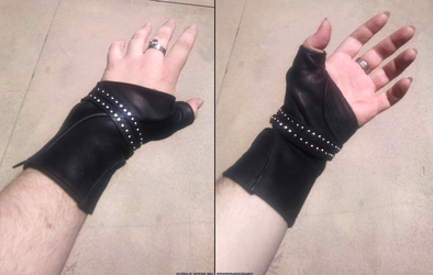 Gladiolus Glove by KytheraOA