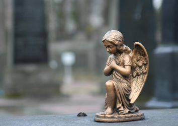 Lonely angel by Lebacco