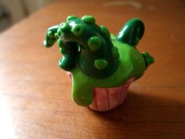 Tentacle Cupcake by morgoththeone