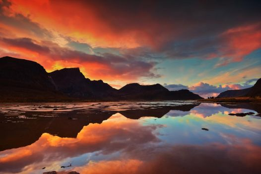 Reflections from a dying day by steinliland