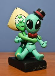 SU: Peridot Sculpture [Commission] by Arnne