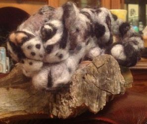 Needle felt snow leopard by Moonenchantress1