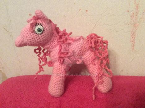 Pink Pony as a gift by hund1kene