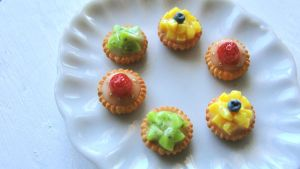 Miniature fruit tarts by AGTCT