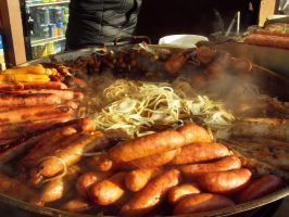 BBQ Grill Sausage with Onion by Gexon