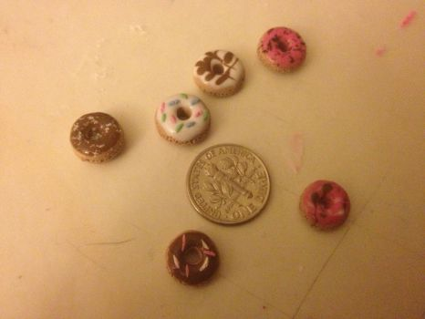 Tiny donuts!! by nightexplorer