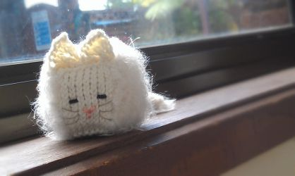 White Persian Cubic Cat Knitted Toys by AmareeLis