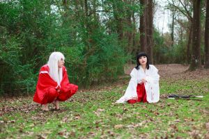 Kikyo and Inuyasha Chat Cosplay by firecloak