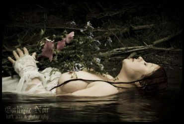 Ophelia - March 07 by luciferous-glow