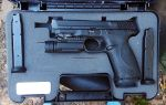 My Smith and Wesson M and P .40 by HectorDefendi-Light