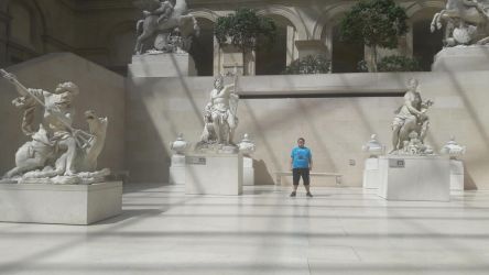 Tubich In Paris: The Louvre's Statue Section by tubi4