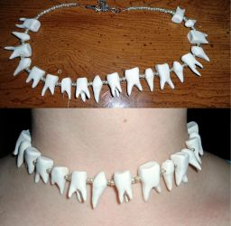 Tooth Necklace by RaheHeul