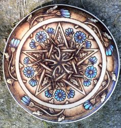 Daisy Pentacle by parizadhe