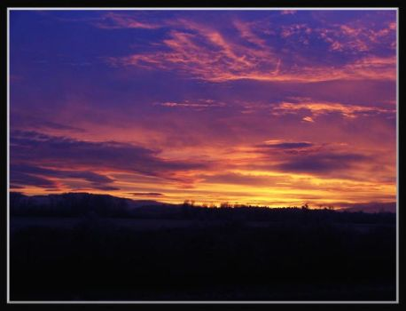 Sun rise in Oregon by withdoubts