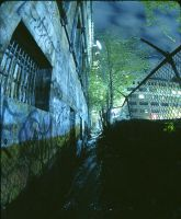 Crackhouse Alley by agtronic