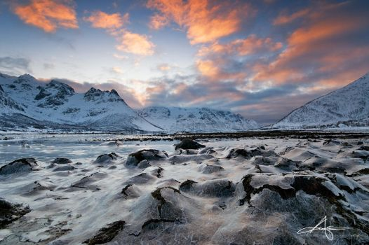 On thin ice by Stridsberg
