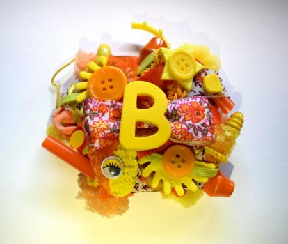 orange and yellow ''B'' initial brooch by queenofexecutions