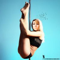 She Hangs Brightly by stringchange
