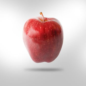 red apple by abdullah149