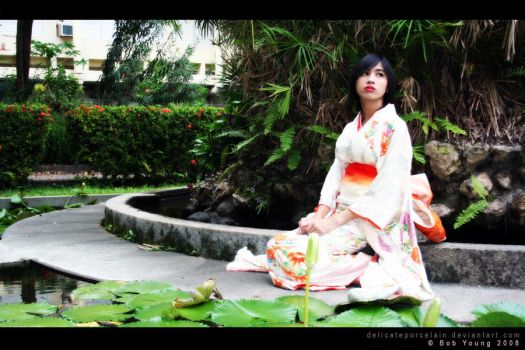 Shiroi Kimono Waiting by delicateporcelain