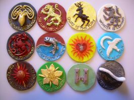 Game of Thrones cupcake decor by Ailinne