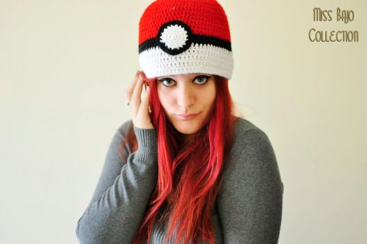 Pokeball Hat by MissBajoCollection