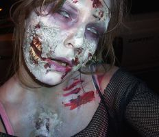 Zombie makeup by Chebanse