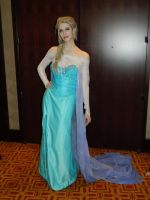 Elsa the Snow Queen Frozen Zenkaikon 2014 by bumac