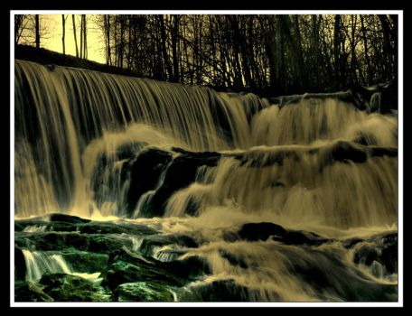 Spirit fall.. by kaborge