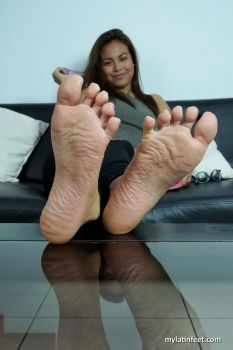Spread toes with Camila by mylatinfeet